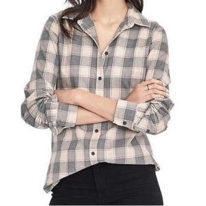 BANANA REPUBLIC  Pink and Gray Plaid Flannel Shirt